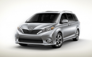 2011 Toyota Sienna Front End