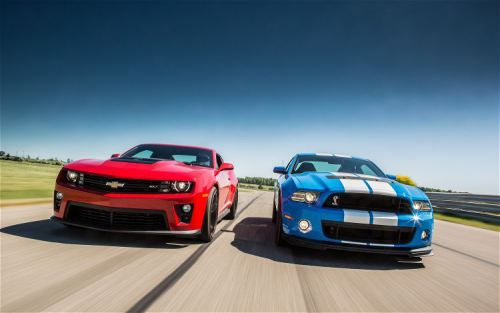 2012-chevy-camaro-zl1-vs-2013-ford-shelby-gt500-front-view-2-scaled1000