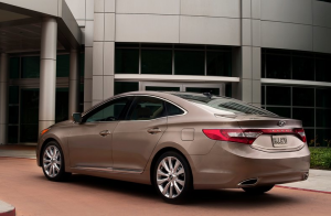 2012 Hyundai Azera Rear View