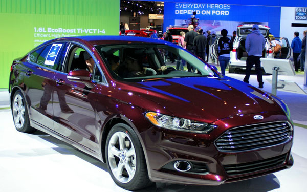2013-Ford-Fusion-EcoBoost