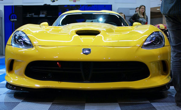 6-2013-SRT-Viper-by-Moparfront